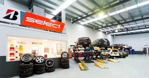 Bridgestone cán mốc 50 trung tâm dịch vụ lốp xe du lịch trên toàn quốc
