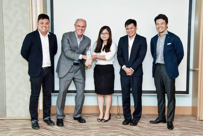 Bridgestone Việt Nam vinh dự đón nhận giải thưởng Bridgestone Tầm Nhìn Tương Lai Toàn Cầu
