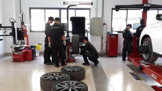Tại sao phải chỉnh độ chụm bánh xe ? Hunter