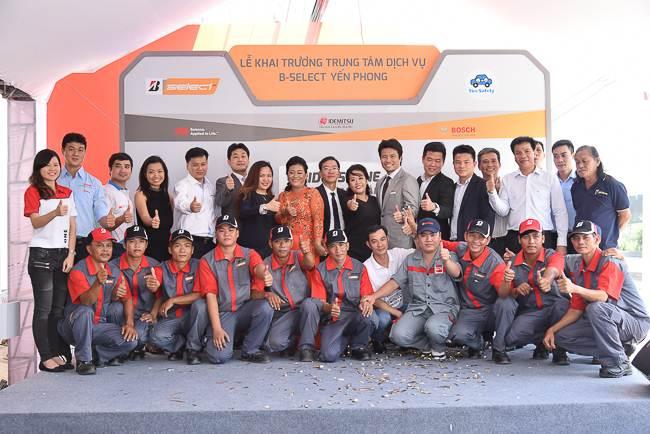 Hơn 200 khách tham gia tại Sài Gòn với Bridgestone Lăn bánh an toàn