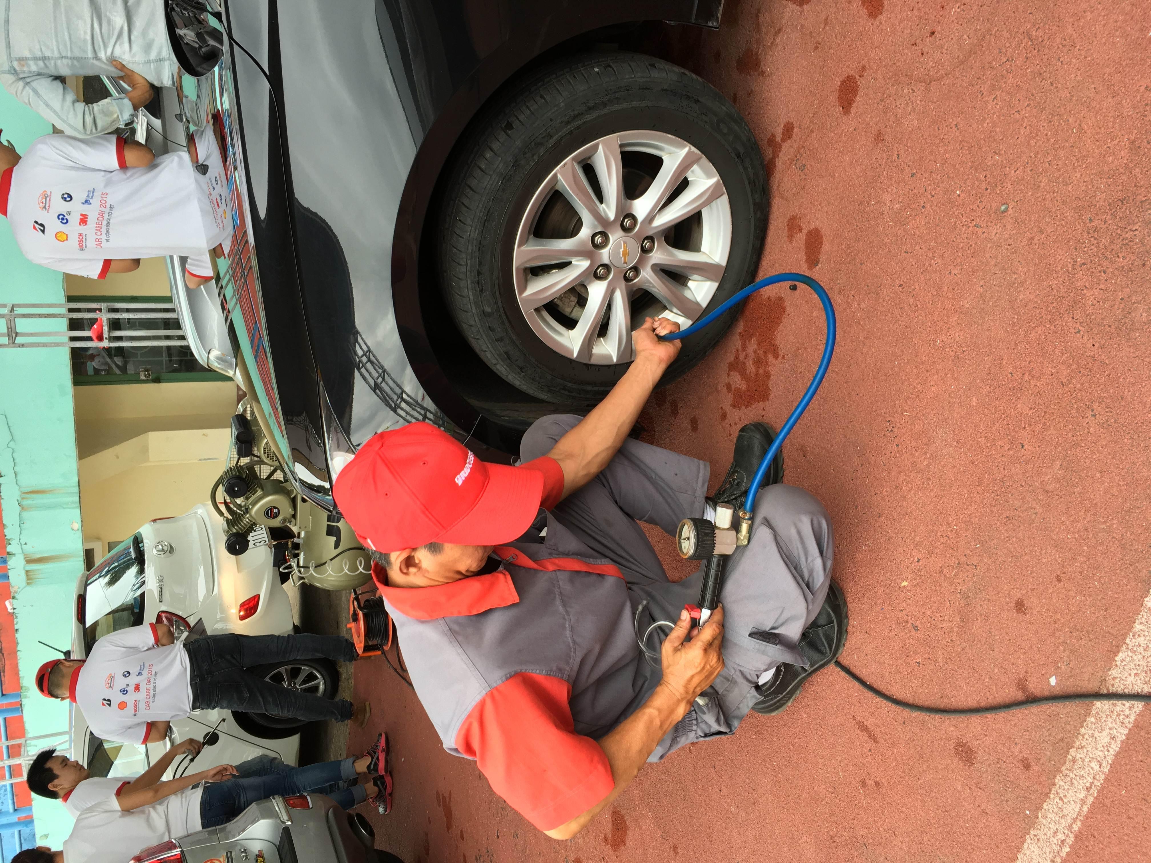 B-SHOP YẾN PHONG THAM GIA NGÀY HỘI CARE CAR DAY 2015